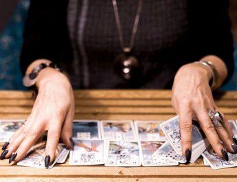 Szidéna kártyavetés